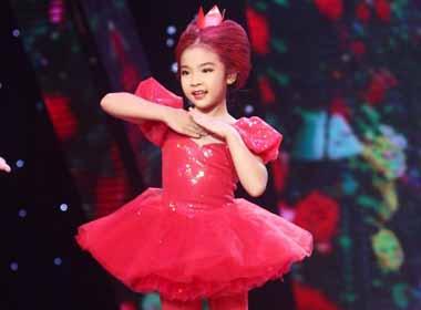 Bước nhảy hoàn vũ nhí: Yến Nhi thăng hóa trong 'Alice ở xứ thần tiên'