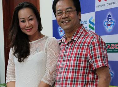 Lộ diện vợ trẻ kém hơn 20 tuổi của NSƯT Trần Nhượng