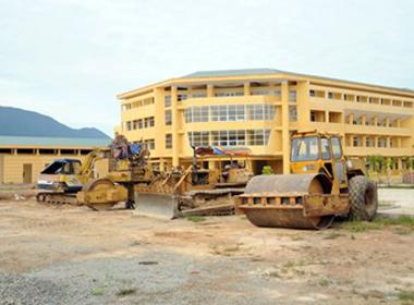 Xây trường gần 200 tỷ đồng, chỉ dạy hơn 100 học sinh
