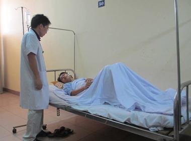 Bác sĩ bị người nhà bệnh nhân đánh gãy xương gò má bàng hoàng kể lại sự việc