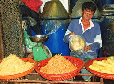 Chuyện đấng mày râu bám chợ ở miền đất 'gia trưởng' nhất Việt Nam