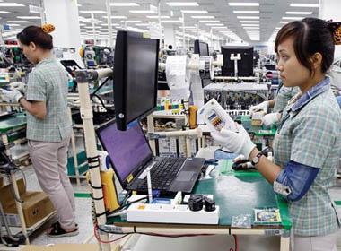 Học sinh Trung Quốc bị ép làm tăng ca cho các nhà máy công nghệ