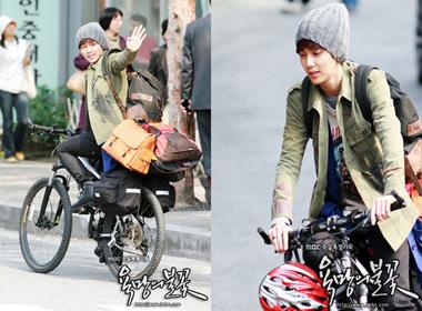 Mỹ nam Hàn đốn tim fan bằng xe đạp
