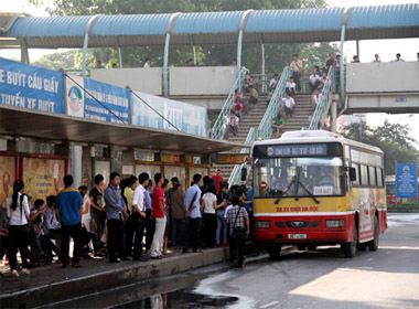 Hà Nội muốn tăng trợ giá xe buýt lên gần 1.400 tỷ