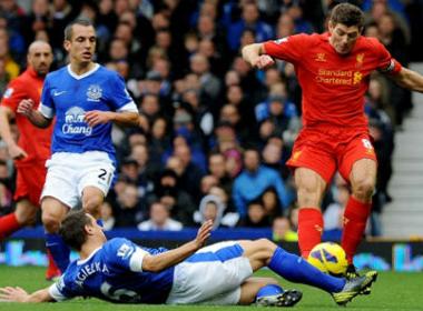 Liverpool - Everton: Chờ tin vui Sturridge