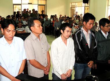 Sếp của 5 công an đánh chết người bị khởi tố