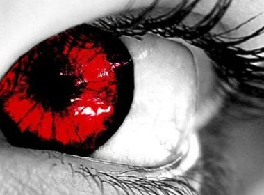 Nhìn nhau có lây đau mắt đỏ?