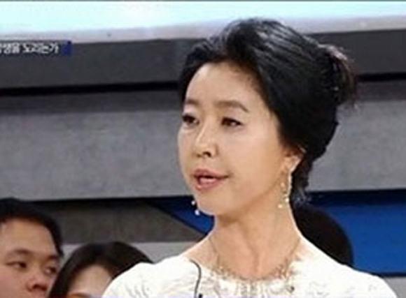 Nữ diễn viên 50 tuổi lật lại scandal diễn viên bị lạm dụng hơn 100 lần
