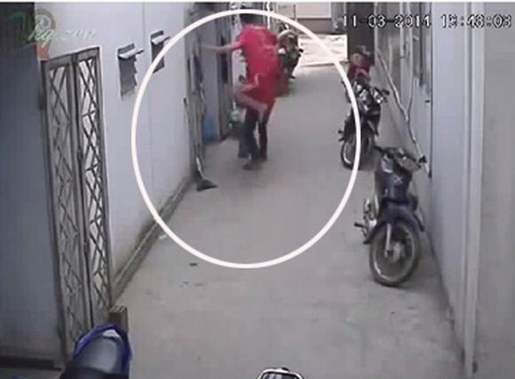 Nam thanh niên 'tung chưởng' đánh trộm như phim hành động