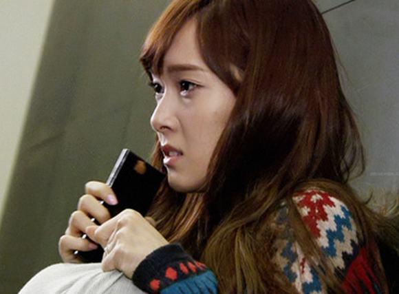 Jessica SNSD bị đuổi khỏi nhóm và chịu tổn thương sâu sắc?