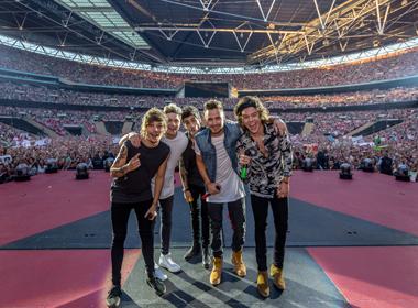 Ra mắt phim hòa nhạc tài liệu của nhóm nhạc hàng đầu Anh Quốc - One Direction