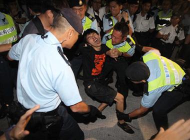 Thủ lĩnh biểu tình 17 tuổi ở Hong Kong