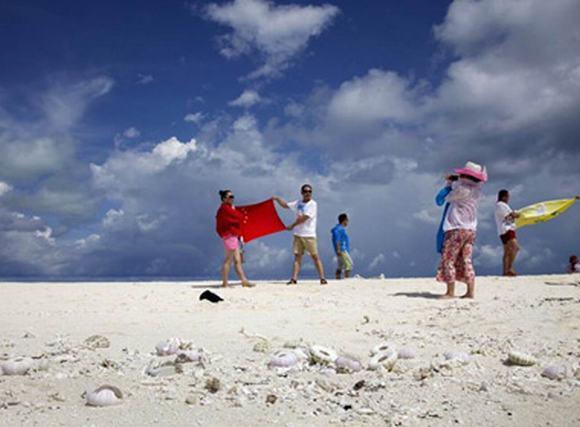 Tình hình Biển Đông chiều 1/10: TQ mở dịch vụ 'du lịch yêu nước' ở Hoàng Sa