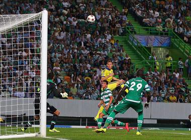 Matic tỏa sáng, Chelsea thắng trận đầu tại Champions League