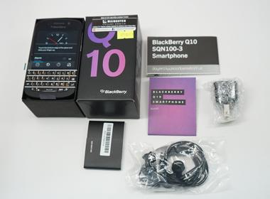 BlackBerry Q10 bàn phím Thái giá 5 triệu đồng về Việt Nam
