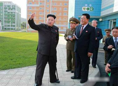 Nhà lãnh đạo Triều Tiên chống gậy xuất hiện công khai lần thứ 2