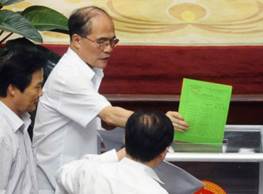 Quốc hội sẽ lấy phiếu tín nhiệm với 50 lãnh đạo