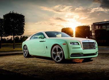Xe siêu sang Rolls-Royce Wraith màu xanh cốm của triệu phú