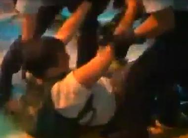 Cảnh sát Hong Kong sử dụng dùi cui tấn công người biểu tình