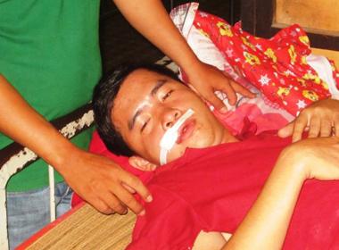 Hai người dân bị thương vì trúng đạn của công an xã