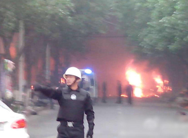 Hàng chục người chết trong vụ nổ lớn ở chợ Tân Cương, Trung Quốc