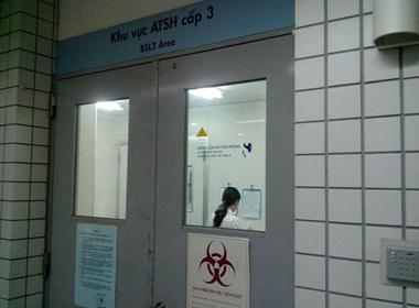 Việt Nam có đủ khả năng xét nghiệm virus Ebola