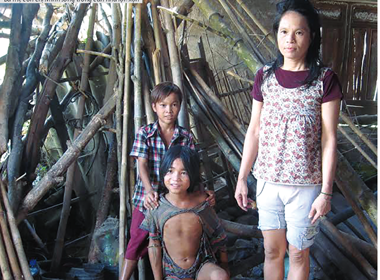 'Người rừng' 14 năm quên tiếng người, không áo quần, nhai cá sống