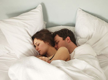 Ám ảnh nhan sắc khi nằm gần chồng