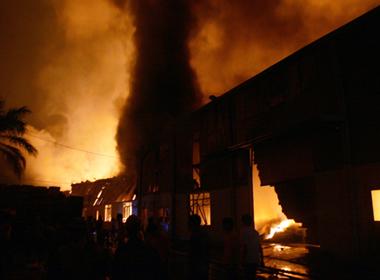 Hai vụ cháy ở Hà Nội đêm 18/10 gây thiệt hại hơn 130 tỷ đồng