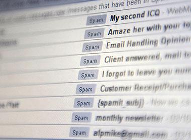 Mỗi phút Microsoft loại bỏ 10 triệu thư rác
