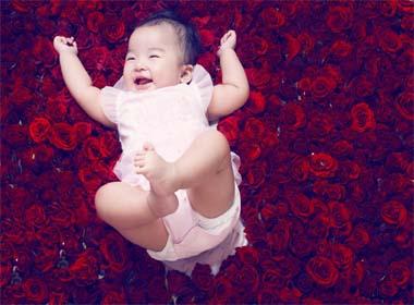 Clip đáng yêu của con gái Xuân Lan khiến vạn người mê