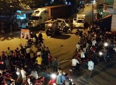 Đặt quan tài giữa phố tại Bắc Giang