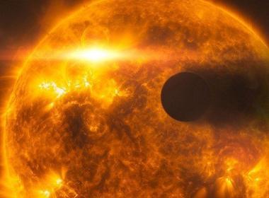 Phát hiện vết đen 'quái vật' trên Mặt trời đe dọa Trái đất
