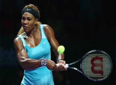 Vượt khó thành công, Serena vào chung kết WTA Finals