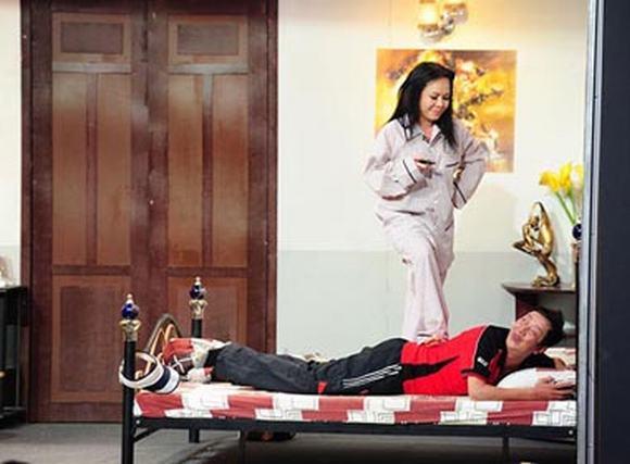 'Ơn giời cậu đây rồi!' tập 3: Việt Hương 'ép' Khánh Nam vào tình huống khó xử
