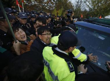 Dân gần biên giới Triều Tiên đụng độ với người thả truyền đơn