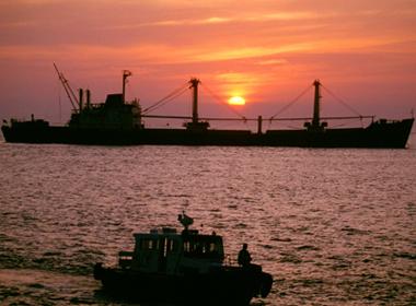 Tình hình Biển Đông chiều 28/10: Biển Đông lặng sóng có lợi cho ai?