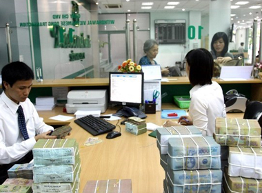 Chính phủ ưu tiên giải quyết vấn đề nợ xấu của các ngân hàng