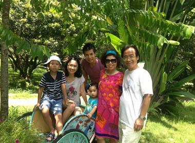 Nữ PGS trẻ nhất Việt Nam và bí quyết nuôi dạy con giỏi mà vẫn trẻ trung, xinh đẹp