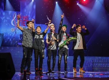 'Đạo' nhạc: FB Boiz bị tước giải thưởng, Sơn Tùng không nhận lỗi