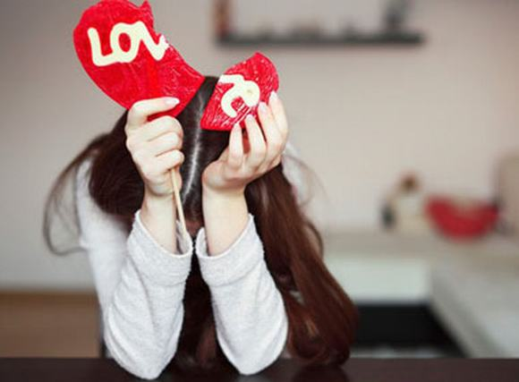 Đánh ghen trên facebook: Hãy cho tình yêu xác suất rủi ro!