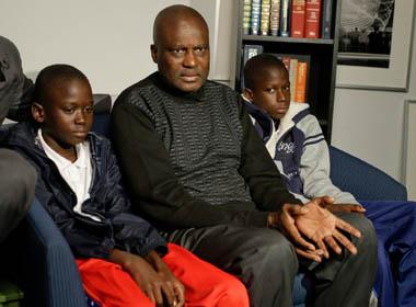 Chủ nghĩa bài Phi bùng lên ở Mỹ vì Ebola