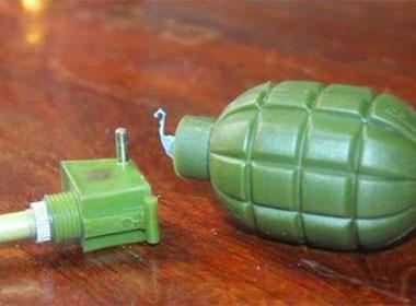 Lựu đạn nhựa phát nổ khiến 2 cháu bé nguy kịch