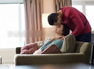 5 dấu hiệu của đàn ông biết chiều vợ