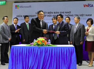 Microsoft và Hiệp hội An toàn thông tin Việt Nam kí kết hợp tác bảo mật