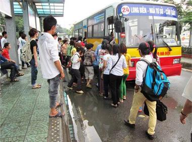 Nỗi hoảng sợ của nữ sinh khi bị 'lạm dụng' trên xe bus