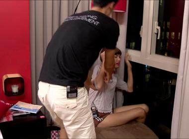 Vietnam's Next Top Model 2014: Các thí sinh vừa vào nhà chung đã xung đột