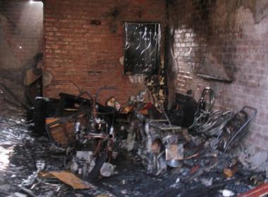 Cháy cửa hàng nội thất ở Đê La Thành