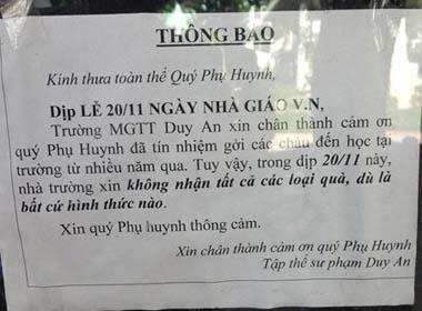 Ngày nhà giáo Việt Nam, nhà trường xin từ chối nhận quà của phụ huynh học sinh