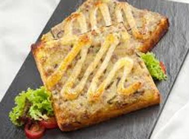 Sandwich nướng thịt băm thơm lừng